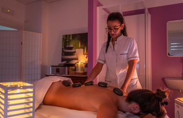 Farmacia Aiello - Hot Stone Massage