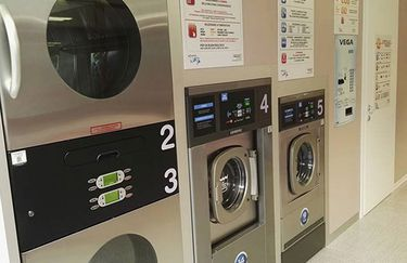 Lavanderia Self Service I Wash - Interno